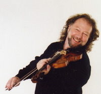 Alasdair Fraser Inducted Into Scottish Traditional Music Hall of Fame
